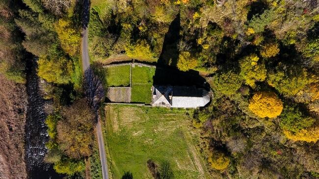 Chapelle Sainte-Marie-Des-Chazes - Une chapelle du XIIeme sièle dans le haut allier
