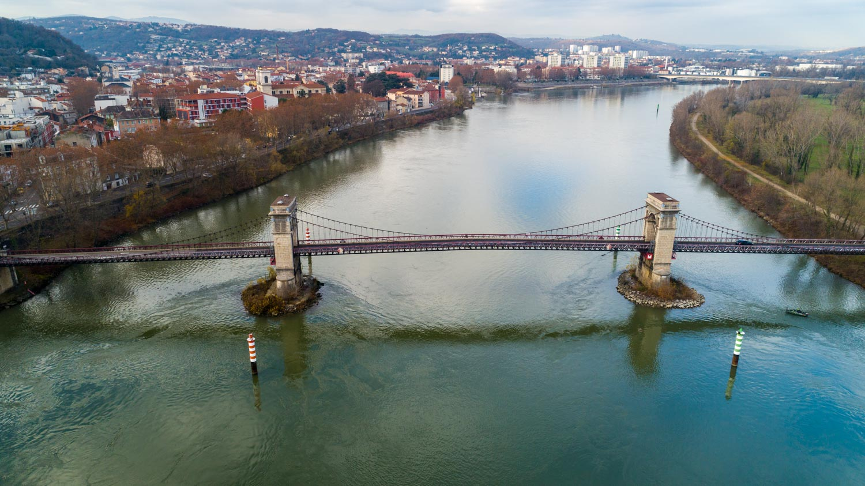 Lyon : Pont de Chasse - Pont suspendu de Chasse en Drone