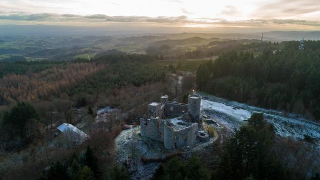 Montbrison : Chateau d'Urfé - Chateau d'Urfé dans le territoire de Saint-Étienne