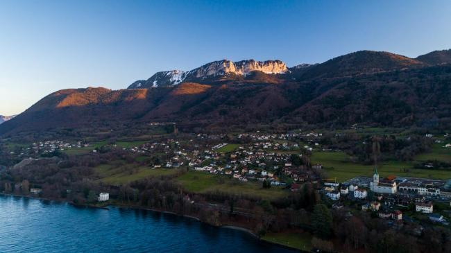 Thonon-Les-Bains : Lac Léman - Images d'illustrations aériennes pour France 3